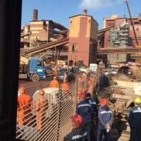 Ilva di Taranto, 12 indagati per la morte dell'operaio 25enne. Emiliano: