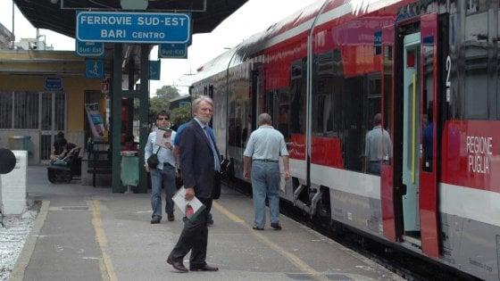 Trasporti, in tilt i treni delle Ferrovie Sud est: disagi e ritardi nelle stazioni del Salento