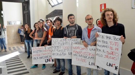 Bari, dopo le proteste l'Ateneo dilaziona le tasse. Stanziati 200mila euro per le borse di studio
