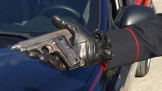 Bari, si è costituito il sedicenne sorpreso in scooter con un complice e la pistola