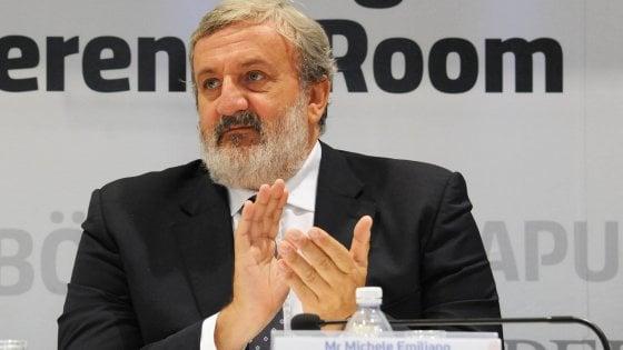 """""""Cancellare gli stipendi dei politici italiani"""", la ricetta di Michele Emiliano per tagliare i costi"""