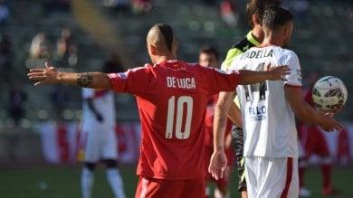 Calcio, Bari-Benevento 0-4: i biancorossi  crollano e lasciano il San Nicola tra i fischi