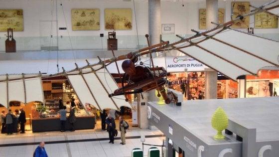 A Bari i Codici di Leonardo sul volo: la mostra in aeroporto prorogata fino al 30 novembre