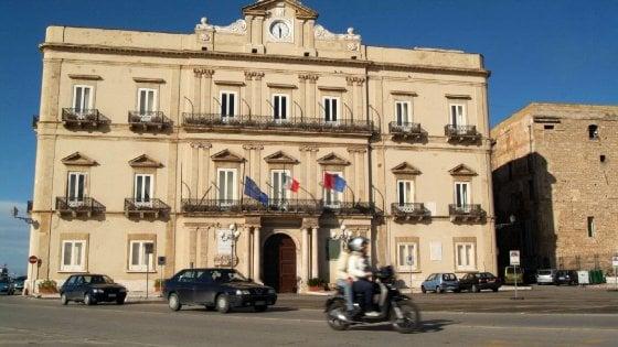 """Taranto, sei scuole verso il pignoramento per la Tarsu non pagata: """"Aiutateci, siamo al collasso"""""""