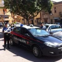 Lecce, sesso con un ragazzino in cambio di regali: 57enne arrestato grazie agli amici...