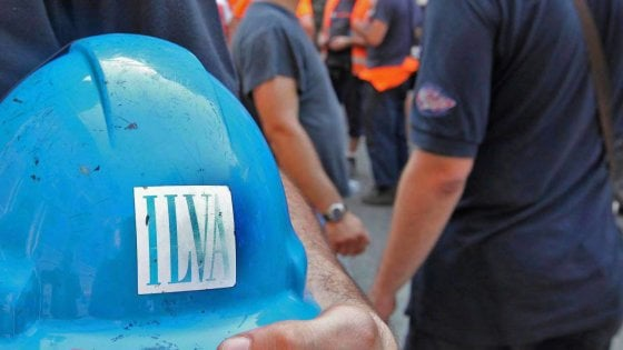 """Ilva, fuga di gas nelle cokerie: evacuato il personale al lavoro. L'azienda: """"Nessun ferito"""""""