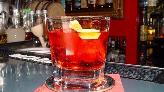 Otranto, beve bitter analcolico e si sente male: contaminazione batterica?