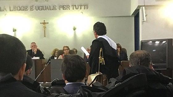 """Taranto, l'Anm attacca l'avvocato dei Riva: """"Ha reso pubblici dati sensibili sui magistrati"""""""