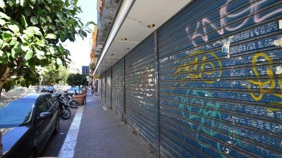 """Bari, il Comune stanzia un milione di euro: """"Aiuti a chi apre negozi in periferia"""""""