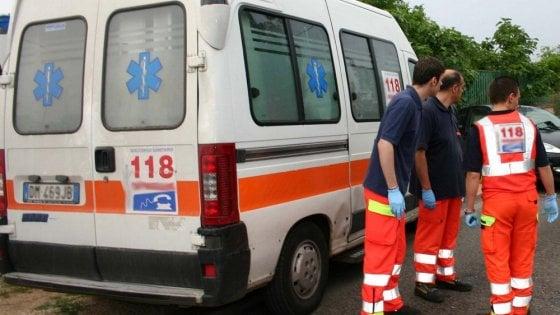 Bari, auto pirata su tre braccianti che tornavano dal lavoro: uno è morto, un altro è grave