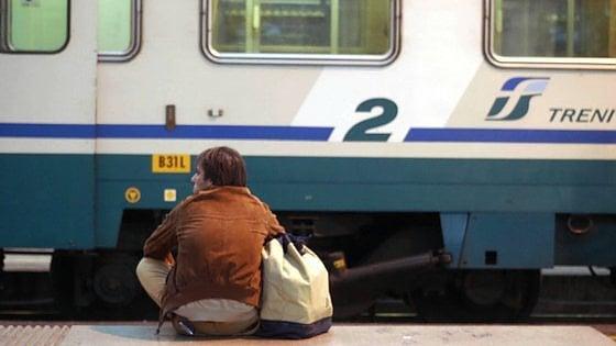"""Sciopero, in Puglia treni e pullman a rischio venerdì 21 ottobre. """"Attenzione ai passaggi a livello"""""""