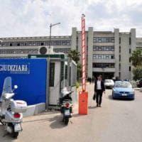 Il Palagiustizia di Bari non trasloca dopo le crepe: