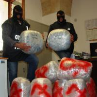 Lecce, nell'auto con 64 chilogrammi di marijuana: 26enne arrestato dopo