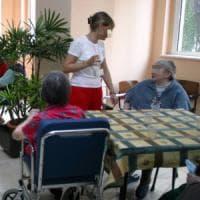 Bari, case di riposo affollate, care e senza servizi: i Nas stroncano le