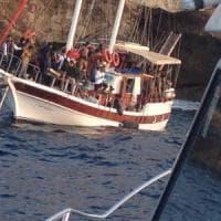 Salento, in cento stipati a bordo di una barca a vela: il viaggio dei migranti è da paura