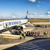 Ryanair, disabile pagò il supplemento per la sedia a rotelle: la compagnia