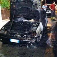 Matera, incendiarono l'auto di un poliziotto davanti a casa sua: condannati