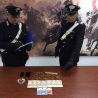 Bari, si spaccia per 'avvocato dei carabinieri' e truffa un'anziana sola