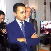 Taranto, Di Maio in ospedale col dono dei consiglieri M5S: