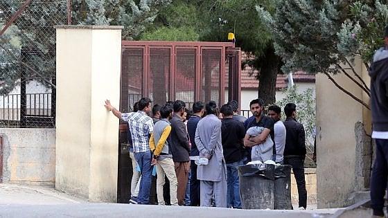 Potenza, gonfiava i dati sui migranti: arrestato il presidente di una coop. Si indaga anche su Bari