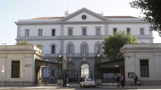 Taranto, amianto killer all'Arsenale: il ministero dovrà risarcire con 500mila euro gli eredi di un operaio