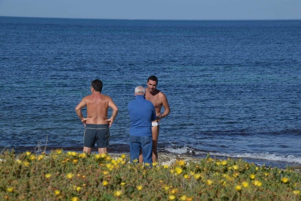Bari 22 gradi a novembre in citt si fa ancora il bagno for Ibiza a maggio si fa il bagno