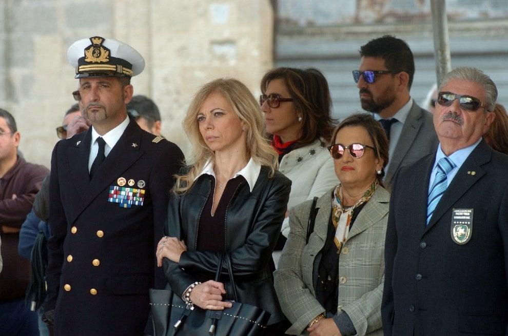 4 Novembre, a Brindisi anche i marò Girone e Latorre