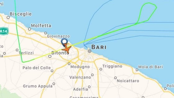 Rissa Ryanair, aereo diretto Malta atterra a Pisa