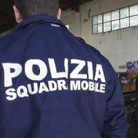 Corruzione, arrestati 4 agenti della polizia stradale di Foggia: favori in cambio di regali