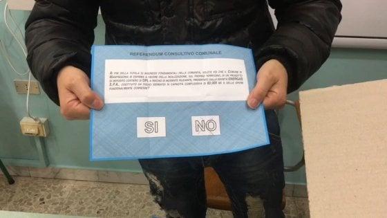 """Manfredonia, plebiscito contro il maxi deposito di gpl. Il sindaco: """"Referendum sarà ascoltato"""""""