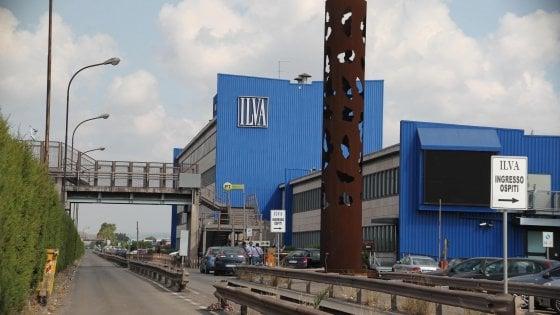 Ilva di Taranto, al via bonifica di un'area di 20mila metri quadri con pneumatici fuori uso