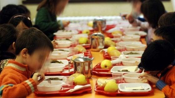 """Bari, bambini della scuola materna si sentono male dopo il pranzo in mensa: """"Sospetta intossicazione"""""""