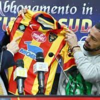 La tragedia della Chapecoense: Lecce e Foggia in campo col logo per ricordare