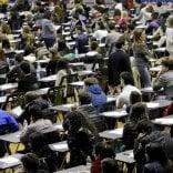 Lecce, copiarono l'esame  di Stato: 15 aspiranti  avvocati ai servizi sociali