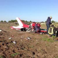 Lecce, precipita ultraleggero: i resti dell'aereo