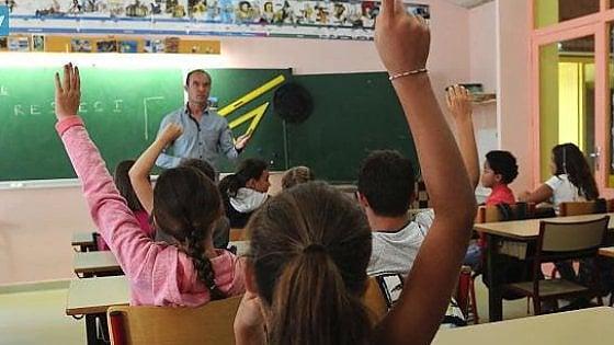 Prof dell'anno, 4 docenti pugliesi in finale: il primo vincerà 50mila euro per la sua scuola