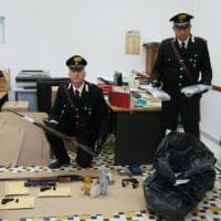 Brindisi, arsenale della Sacra corona unita nel casolare: boss arrestato