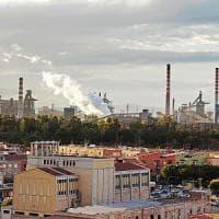 """Taranto, pediatra chiede di fermare immissioni inquinanti: """"I bambini valgono più..."""
