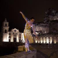 Luci e ballerine fra i Sassi: la magia nei vicoli di Matera
