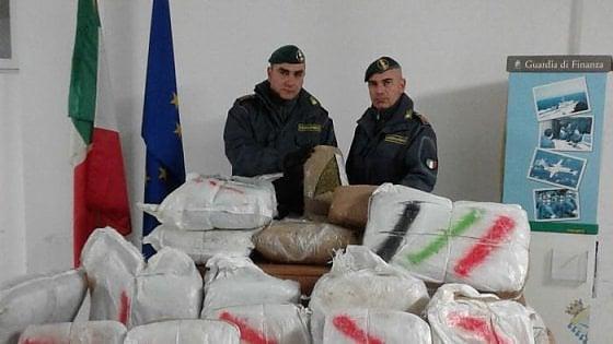 Parte dalla Lombardia con 18kg di marijuana. Gdf arresta 28enne a Messina