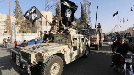 """Terrorismo, le bandiere dell'Isis nei villaggi dell'Albania. """"Una polveriera per la Puglia"""""""