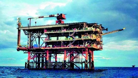 Trivelle al largo di Taranto, via libera del ministero alla Shell per la ricerca del petrolio