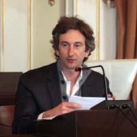 Sindaci più amati, calano i pugliesi: Perrone è quarto in Italia, Decaro
