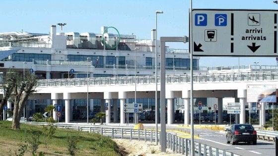 Aeroporti di Puglia, il nuovo presidente Onesti è anche nel cda di Trenitalia. M5S: intervenga l'Anac