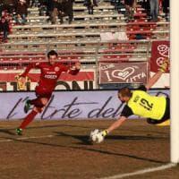 Calcio, Bari sconfitto 2-0 dal Cittadella: difesa da incubo, Floro Flores