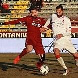 Calcio, il Bari sconfitto 2-0  dal Cittadella: difesa ko, il palo ferma Floro Flores