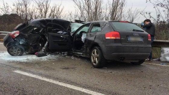 Foggia, strade di sangue: due morti nello scontro tra auto in tangenziale
