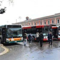 Bari, salgono sul bus e si fingono terroristi: tre migranti denunciati per procurato...