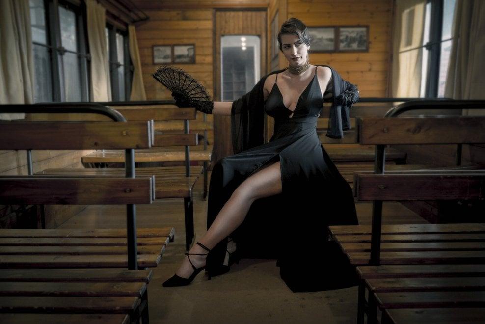 Il treno è vintage: modelle in posa come Grace Kelly & C.