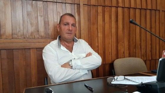 vendita calda prezzo economico il migliore Brindisi, il consigliere pd cambia casacca e salva la sindaca ...